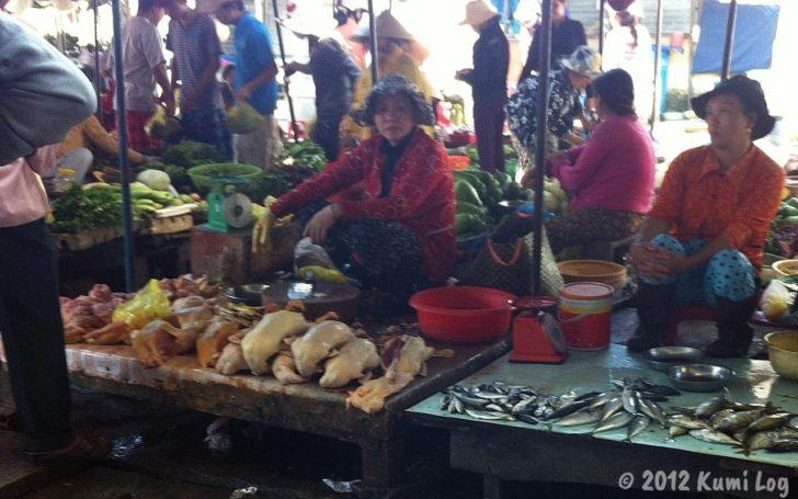 ニャチャン市場の肉売り場