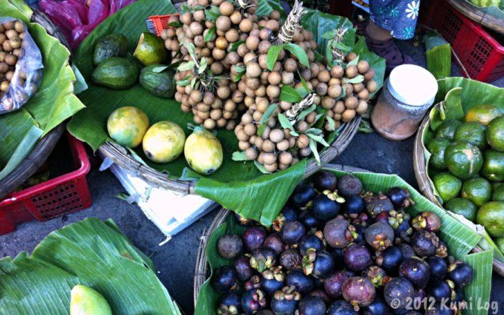 ニャチャン市場の果物