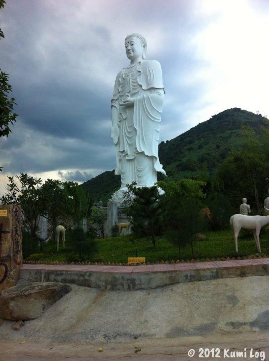 ニャチャンで連れて行ってもらったお寺の仏像