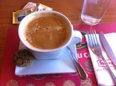 マカティでノマドワークのためカフェを探し続け、結局Shakeysに落ち着いた話