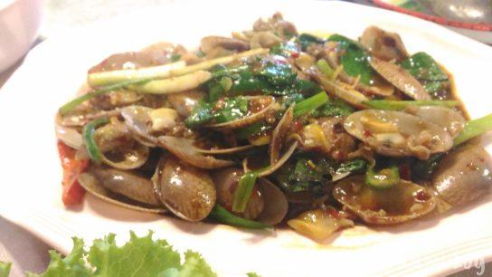 Talad Nam Seafood 貝の炒め物