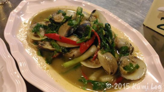 Talad Nam Seafood 貝とレモングラス