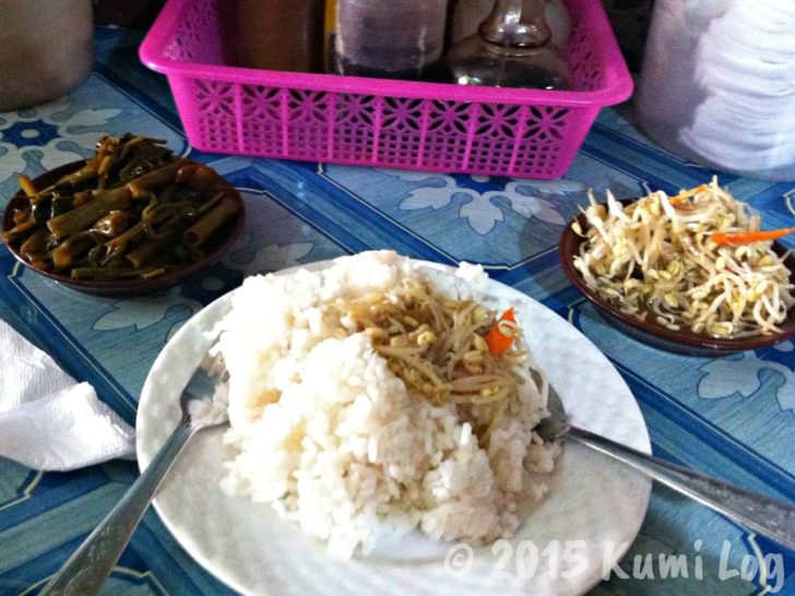 フィリピン、カリンデリアでの食事例