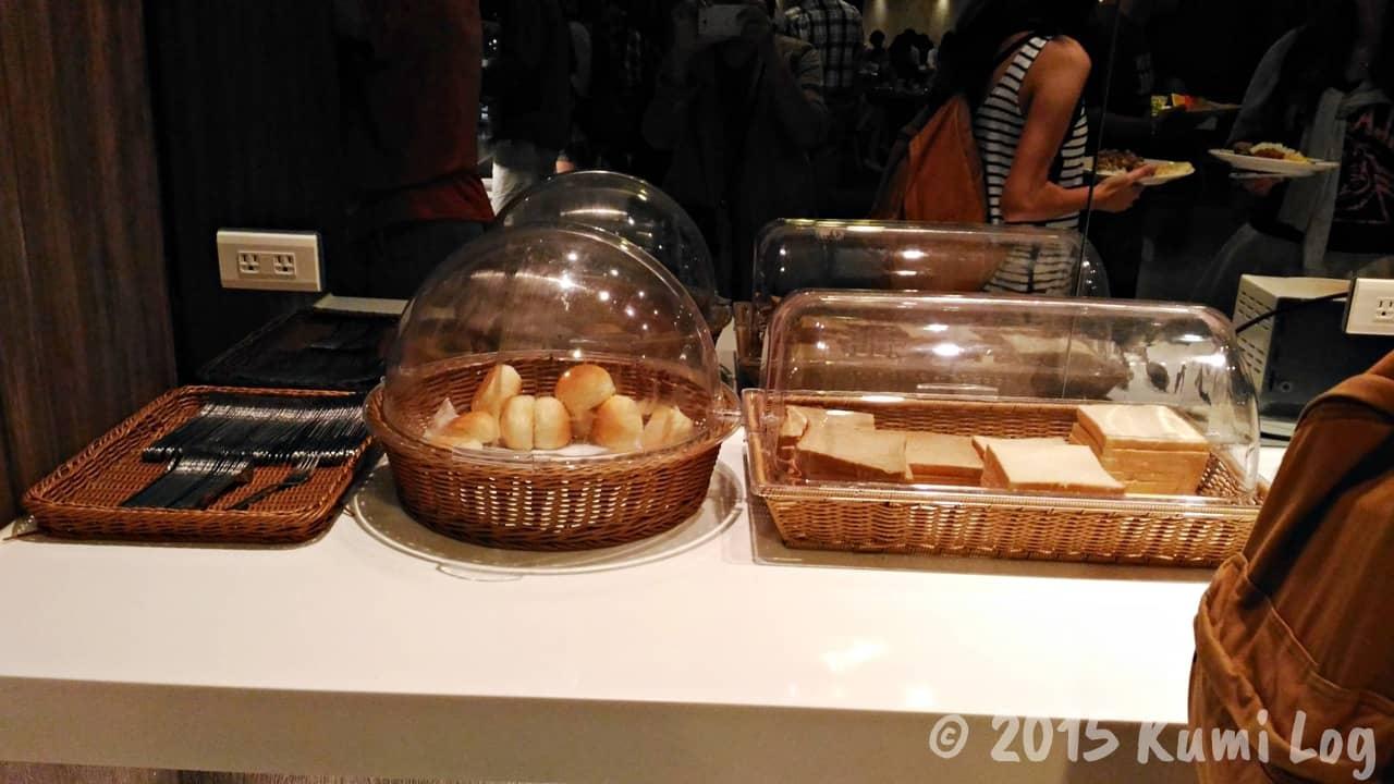 台中 チャンスホテル朝食のパン