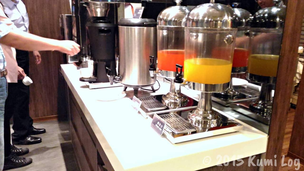 チャンスホテルの朝食・ジュース