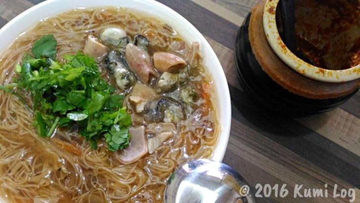 台東バスターミナル近くの蚵仔麺線
