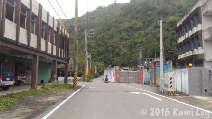 剣柔山荘に向かう道