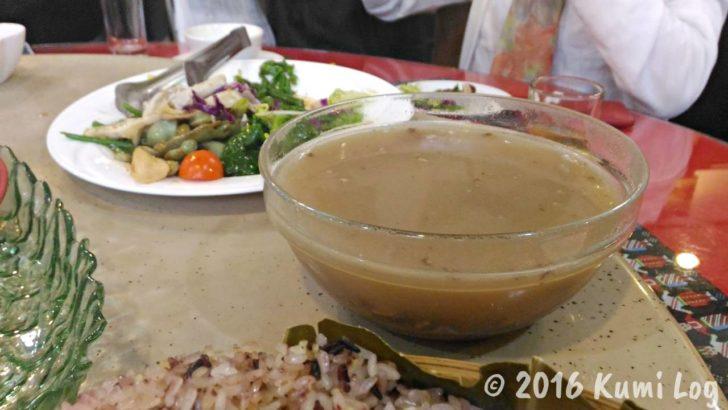 剣柔山荘の豆のスープ
