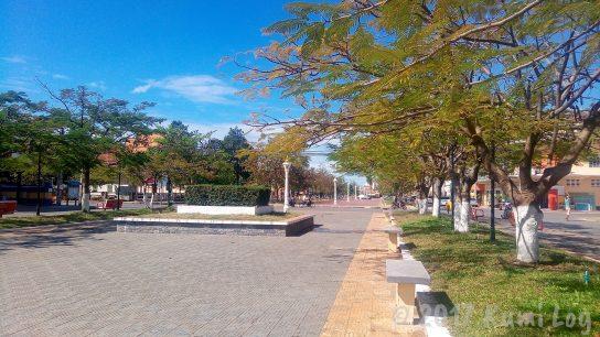 カンポットの中心にある公園