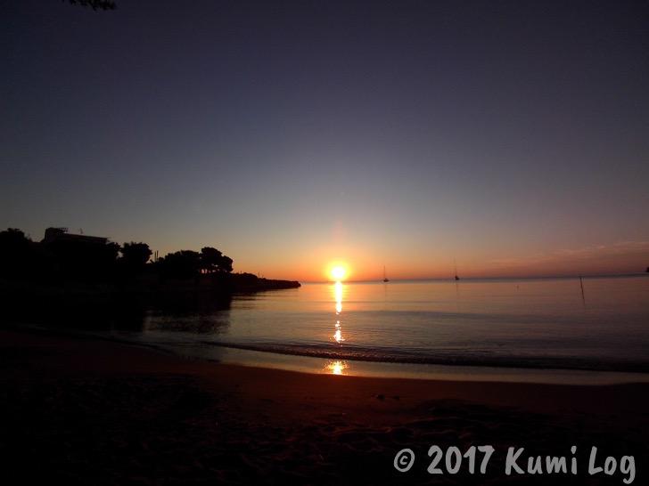 アイギナ島の朝日、ビーチから