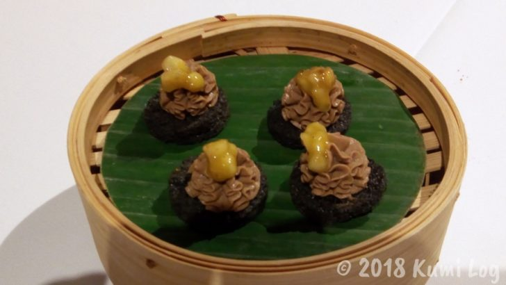 Gaggan 9皿め BANANAS CHICKEN LIVER