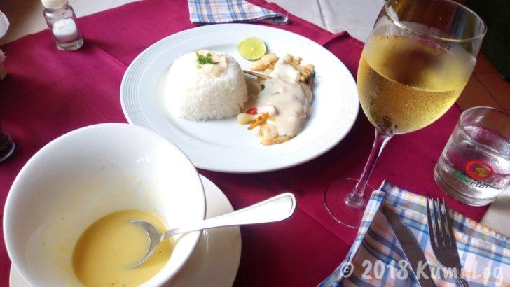 コーンスープと魚のランチ