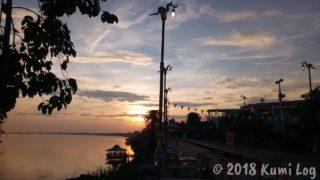 ノーンカーイ、メコン川東から昇る朝日