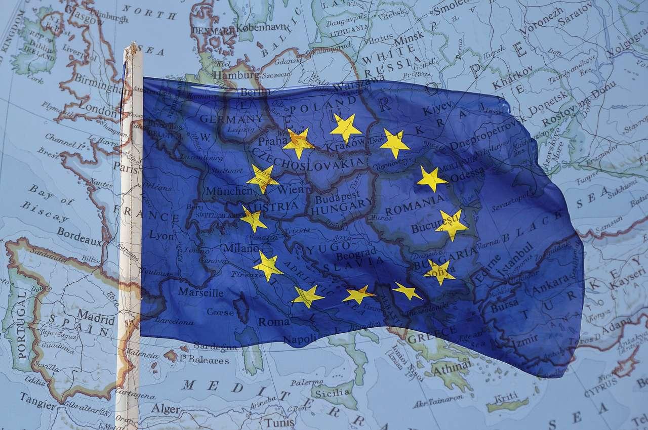 ヨーロッパ周遊に最適なSIMはどれだ、4つの周遊SIMをヨーロッパ滞在の視点で徹底比較しました