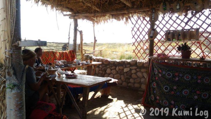 ベルタムユルタキャンプ1日めの朝ごはんを食べた場所