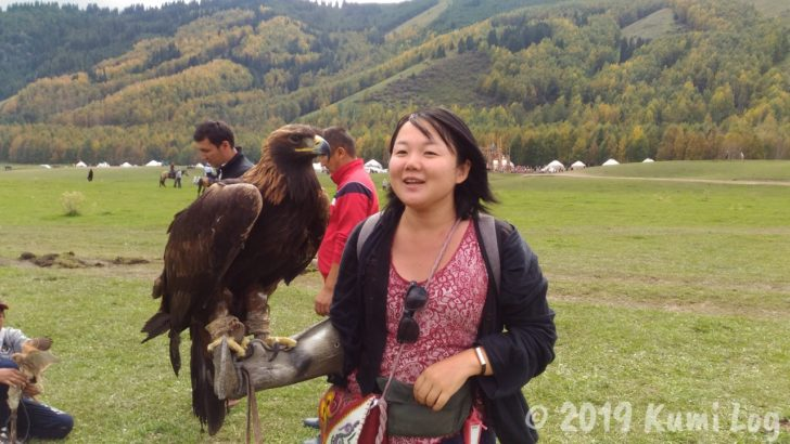 キルギスで、鷹と私