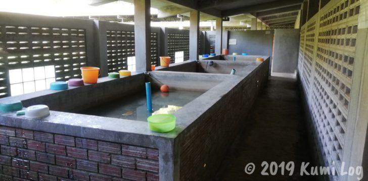 ワット・スワンモック瞑想施設、水浴び場
