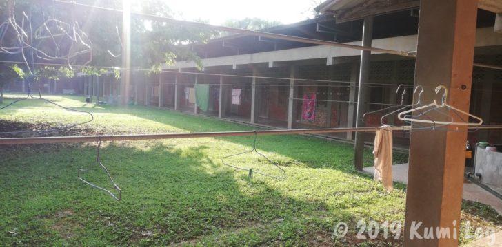 ワット・スワンモック瞑想施設、寮の中庭