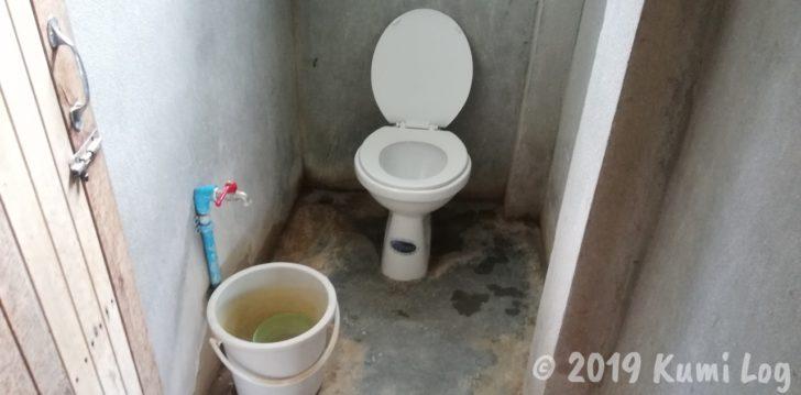 ワット・スワンモック瞑想施設、トイレ