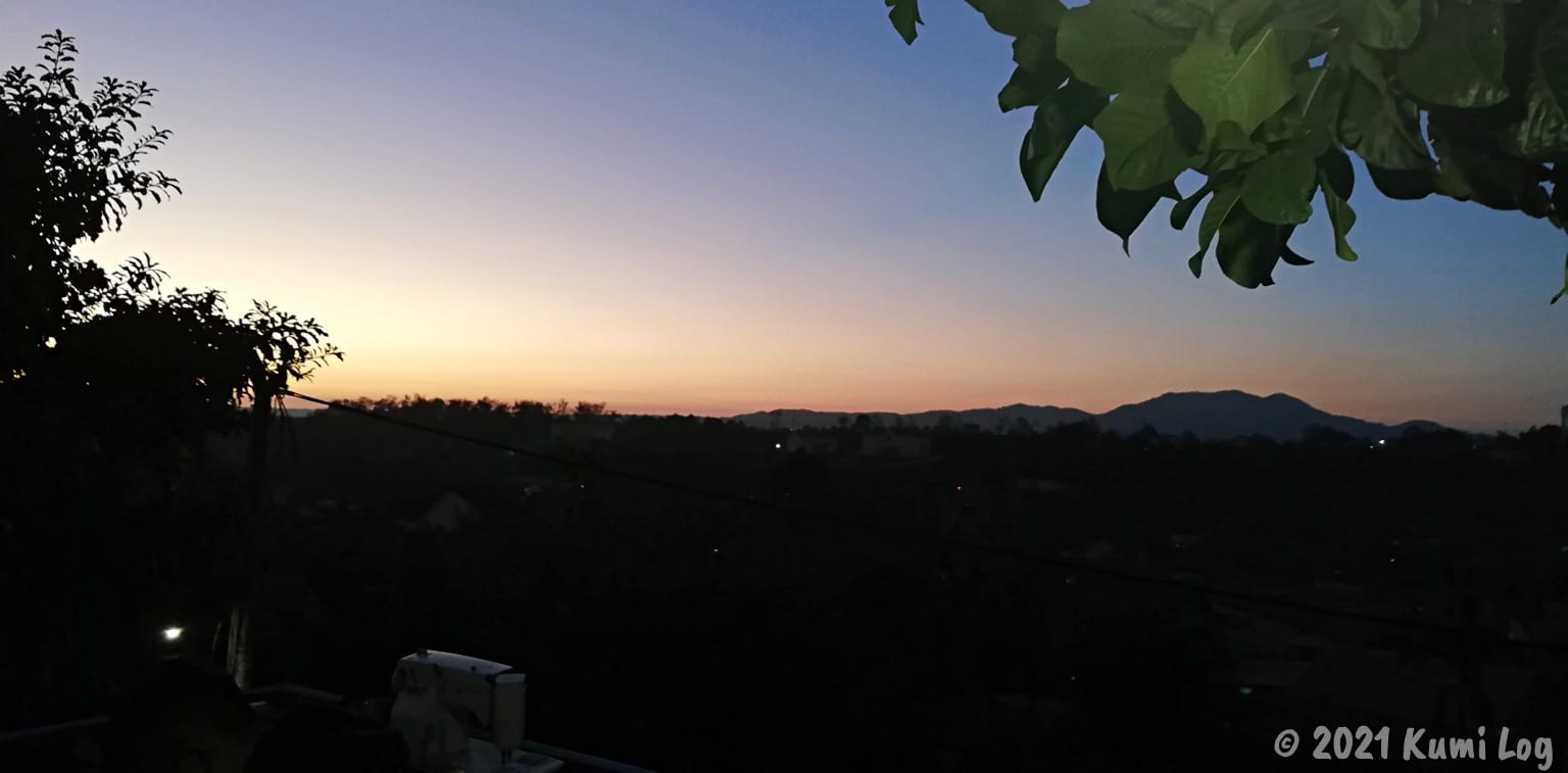 Montagnards Home Farmの屋上から夕日をみたところ